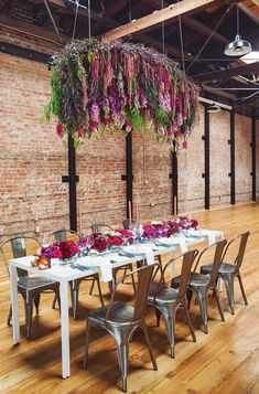 Brick and exposed piping may not speak Fall to you, but this Industrial space was magically turned into a floral fall fantasy and you wont want to miss how they did it!