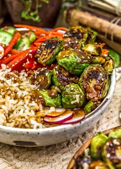 These oven roasted, oil-free Teriyaki Brussels Sprouts are coated in a sticky, sweet and savory sauce that is sure to make your belly happy. Beef Recipes, Whole Food Recipes, Dinner Recipes, Healthy Recipes, Healthy Foods, Dinner Ideas, Healthy Eating, Whole Plant Based Diet, Smoked Beef Brisket
