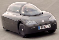 http://chicerman.com  carsthatnevermadeit:  Volkswagen 1L Concept 2002. A lightweight highly aerodynamic prototype powered by a turbo-charged single-cylinder engine which was designed to use 1 litre of fuel to travel 100 km  #cars