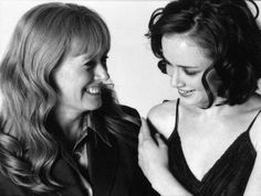 82b7039150 Alexis Bledel with her real life mom.