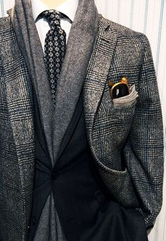 Everybody loves Suits : Such a great looking overcoat