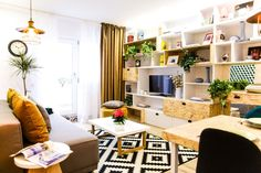 Renovarea apartamentului familiei Jitaru din Câmpina, episodul 7, sezonul 4, Visuri la cheie Cool Apartments, Living Room Decor, Bookcase, Ikea, New Homes, Shelves, Interior Design, Cool Stuff, House