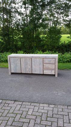 Wood Pallets, Pallet Wood, Outdoor Furniture, Outdoor Decor, Outdoor Storage, Garage Doors, Sidewalk, Home And Garden, Woodworking