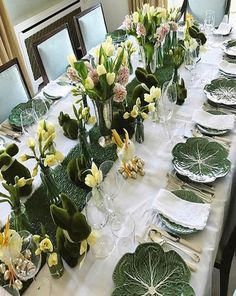 tisch sommer fine 8 Spring Table Setting Ideas for Stylish Home Decor Dining Table Decor Centerpiece, Summer Table Decorations, Dining Room Table Decor, Deco Table, Decoration Table, Centerpiece Decorations, Photo Table, Easter Table Settings, Decoration Christmas
