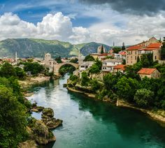 Mostar - The miracle City  Bosna y Herzegowina Photo by Christian Gutter