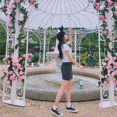Korean Outfits, Korean Clothes, Jung Yoon, School Looks, Korean Girl Fashion, Art Reference Poses, School Uniform, Ulzzang, Ballet Skirt