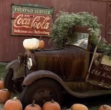 Love this antique truck yard ornament what a great idea.
