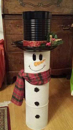 Christmas Crafts diy 40 Brilliant DIY Snowman Crafts Ideas for Amazing Winter Christmas Decor Diy Cheap, Snowman Christmas Decorations, Snowman Crafts, Christmas Snowman, Simple Christmas, Holiday Crafts, Christmas Holidays, Christmas Ornaments, Diy Ornaments
