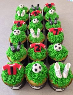 Football /Soccer Cupcakes - For all your cake decorating supplies, please visit… Soccer Cupcakes, Soccer Birthday Cakes, Soccer Cake, Cupcakes For Boys, Soccer Party, Cupcake Cookies, Soccer Theme, Jake Cake, Shirt Cake