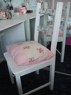 Victoria's Vintage - Fashion, Travel & Lifestyle Blog: DIY Ikea Chair.. ♥