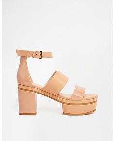 PLATFORM HEELS: GET SKY HIGH WITH THE HEEL TO BE FLAUNTING