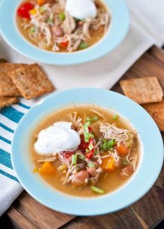 Crockpot white chicken chili is the easiest way to make chili, because the slow cooker does the cooking. This white chicken chili is healthy comfort food and one of the best crock pot recipes for a chili recipe contest! Best Crockpot Recipes, Chili Recipes, Slow Cooker Recipes, Cooking Recipes, Crockpot Meals, Best Slow Cooker Chili, Crockpot White Chicken Chili, Soups, Decor Crafts