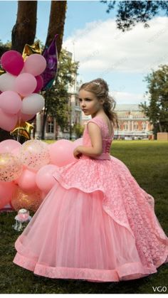 детские 2017-2018 год. Kids Party Wear Dresses, Girls Special Occasion Dresses, Gowns For Girls, Little Girl Dresses, Flower Girl Dresses, Little Miss Dress, African Bridesmaid Dresses, Kids Dress Patterns, Kids Gown