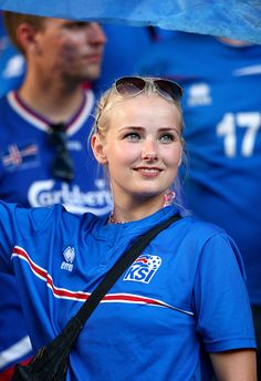 NICE, FRANCE - JUNE A Iceland fan shows her support prior to the UEFA EURO 2016 round of 16 match between England and Iceland at Allianz Riviera Stadium on June 2016 in Nice, France. (Photo by Alex Livesey/Getty Images) Hot Football Fans, Football Ticket, Football Girls, Football Photos, World Football, Soccer Fans, Soccer World, Fans Sports, Soccer Online