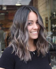 81 Stunning Ash Brown Hair Colors Ideas For You 81 splendide idee per capelli color cenere marrone per te Balayage Brunette, Hair Color Balayage, Ombre Hair Color, Cool Hair Color, Hair Highlights, Ashy Brown Hair Balayage, Haircolor, Dark Brunette, Ash Brown Hair With Highlights