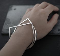 Adam or Eve bangle bracelet par Minicyn sur Etsy