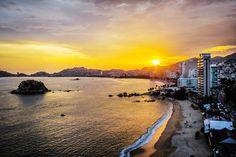 El destino consentido que lo tiene todo, #Acapulco. http://soy.ph/AcapulcoPinPH #Viajes