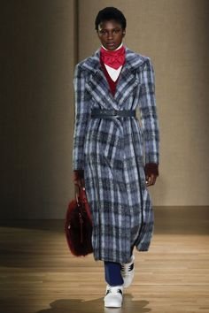 See the complete Agnona Fall 2017 Ready-to-Wear collection.