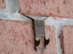 Brick Clips Hanging On Without Drilling Things To