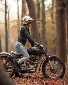 Real Motorcycle Women - womenandbikes