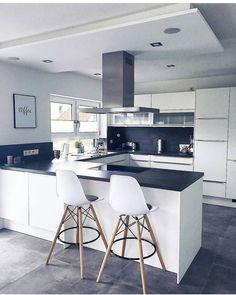 Modern Kitchen - Online Store Focusing on the latest kitchen gadgets Minimalist Modern Kitchens, Modern Kitchen Design, New Kitchen, Kitchen Dining, Kitchen Decor, Kitchen Furniture, Kitchen Interior, Home Kitchens, Kitchen Remodel