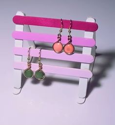1000 images about 34 exposition d 39 objets on pinterest pedestal display stands and tiered stand - Porte boucle d oreille diy ...