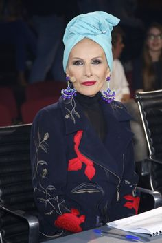 The Best Fashion Ideas For Women Over 60 - Fashion Trends Over 60 Fashion, Fashion Outfits, Womens Fashion, Fashion Trends, Bad Hair Day, Aging Gracefully, Your Turn, Elegant Woman, Ikon