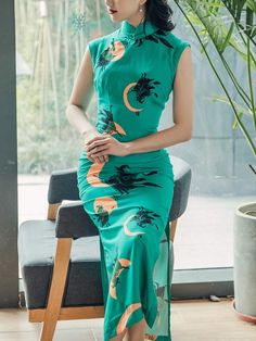 Summer Green Printed Witches Qipao / Cheongsam Dress Custom Made Clothing, Cheongsam Dress, North And South America, Lining Fabric, Mandarin Collar, Fishtail, Dress P, Witches, Red And Blue