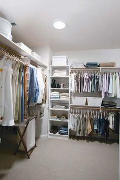 Closet After Master Closet, Walk In Closet, Luz Natural, Room Interior, Interior Design, Dark Bathrooms, Beautiful Space, Kitchen And Bath, Windows And Doors