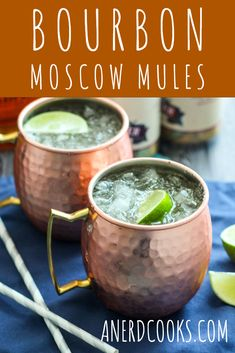 These Bourbon Moscow Mules combine bourbon, lime juice, & ginger beer to make onea seriously delicious cocktail. It's a tasty twist on the classic Mule. Bourbon Mixed Drinks, Mixed Drinks Alcohol, Bourbon Cocktails, Bourbon Mule Recipe, Moscow Mule Recipe, Mule Drink, Fun Easy Recipes, Yummy Drinks, Fun Drinks