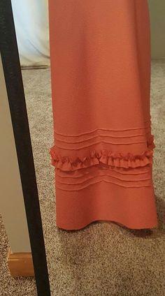 Super ideas sewing patterns for women skirt vintage Kurti Sleeves Design, Sleeves Designs For Dresses, Dress Neck Designs, Blouse Designs, Frock Fashion, Fashion Pants, Women's Fashion, Kurta Designs Women, Salwar Designs