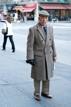 A Smart Coat - Advanced Style Fashion For Men Over 50, Older Mens Fashion, Mens Fashion Week, Fashion Suits, Man Fashion, Smart Coat, Mens Overcoat, Advanced Style, Only Fashion
