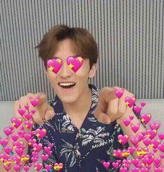 Mark Lee, Meme Faces, Funny Faces, Kpop, Heart Meme, Cute Love Memes, Funny Reaction Pictures, Nct Life, Wholesome Memes