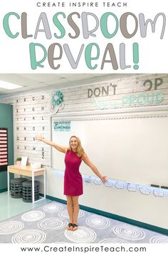 elementary classroom decor The time has come for the big reveal! I spent the summer revamping my classroom and I can't wait for you to see how it came out! It's SO different Calm Classroom, 3rd Grade Classroom, Classroom Setting, Classroom Setup, Classroom Design, Future Classroom, Classroom Organization, Classroom Management, Preschool Classroom Layout