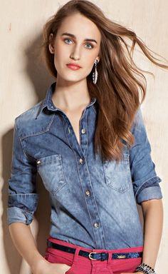 Camisa Jeans Feminina Com Manga Longa E Lavanderia Blue Média Clara