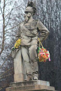 love a little surreal whimsical yarn bombing guerilla art woolly fun for february followers urban knitting 8 marzo 2013