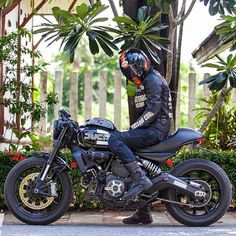 bike-exif: Killer Ducati Scrambler by of Thailand well spotted by our friends at Just what wed love to ride this weekend. Ducati Scrambler, Moto Ducati, Ducati Cafe Racer, Scrambler Custom, Cafe Bike, Cafe Racer Bikes, Cafe Racer Motorcycle, Custom Motorcycles, Custom Bikes