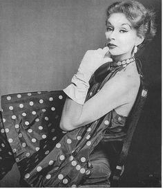 Lisa Fonssagrives, photo by Irving Penn, Vogue, 1952