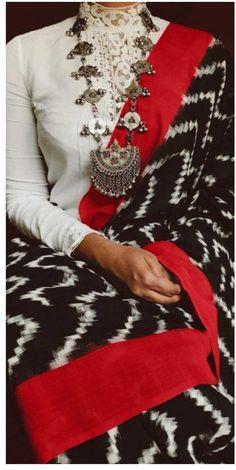 Beautiful sari blouse styles Check out more info on . Sari Blouse, Saree Dress, Saree Blouse Designs, Sambalpuri Saree, Collar Blouse, Indian Dresses, Indian Outfits, Saris Indios, Saree Blouse