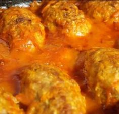 Zpečené karbenátky s omáčkou - VařímeDobroty.cz Curry, Cooking, Ethnic Recipes, Food, Kitchen, Curries, Eten, Meals, Cuisine