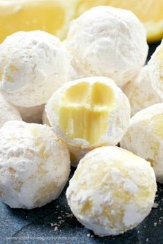 These creamy White Chocolate Lemon Truffles will become a new holiday favorite! Perfect for gift giving or including on a cookie tray. ---PIN THIS RECIPE--- If you love lemon - or know someone who does, Lemon Desserts, Lemon Recipes, Mini Desserts, Lemon Truffles, Lemon Cookies, Candy Recipes, Dessert Recipes, Lemon Garlic Pasta, Garlic Sauce