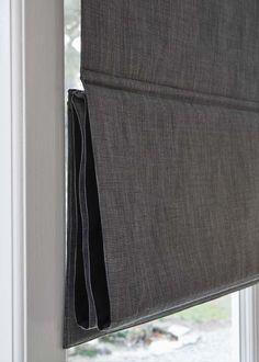 optioneel: in hele segmenten opgetrokken Corner Curtain Rod, Corner Curtains, Curtains With Blinds, Drapes Curtains, Blinds Inspiration, Window Dressings, Window Styles, Curtain Designs, Roman Blinds