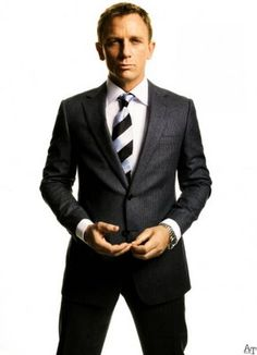 No one looks as good in a suit. Daniel Craig.