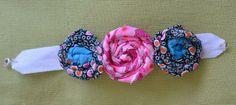 Bracelet de fleurs en tissu Band, Accessories, Flower Bracelet, Fabric Flowers, Sash, Bands, Jewelry Accessories