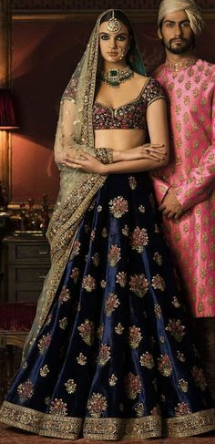 All Indian Bride used to very excited about there wedding shopping. When its come to Bridal lehenga bride used to visit the market, brand and online to Designer Bridal Lehenga, Indian Bridal Lehenga, Indian Bridal Wear, Indian Wedding Outfits, Bridal Outfits, Indian Outfits, Bridal Dresses, Rajasthani Lehenga, Rajasthani Bride