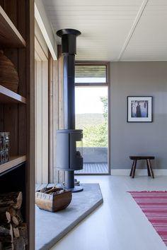 The Plinth House / Luke Stanley Architects