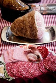 Ham and Salami/ Jambon et Salami/ Schinken und Salami by ch.foodknitter, via Flickr , knitted