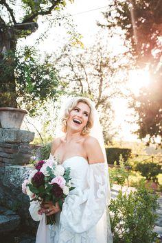 Amazing irish bride wearing a Rue de Seine wedding dress for her special day at Borgo di Tragliata
