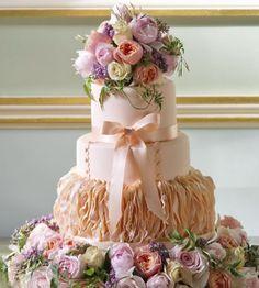 Wedding cake idea; Featured Cake: Cakes by Krishanthi, Featured Photographer: Tim Winter