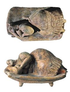 Malta.   'Sleeping Lady' - clay - Hal Saflieni Hypogeum